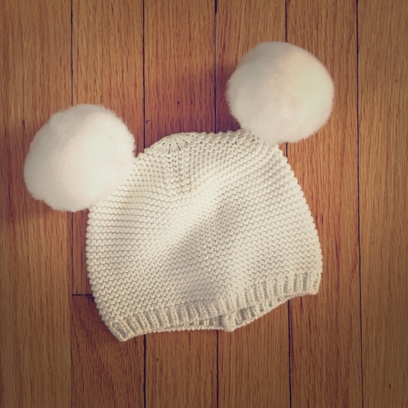 e2d630a0d23 GAP Other - 12-18 Months Baby GAP cream knit pom pom hat
